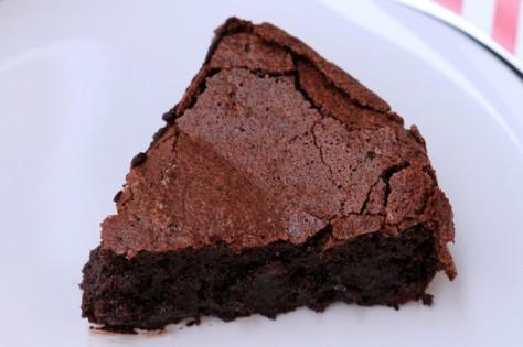 Bolo-de-chocolate-Sem-Farinha-Donna-2-749x499
